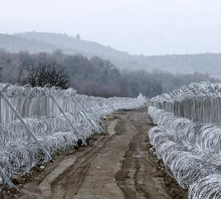 BorderFence3